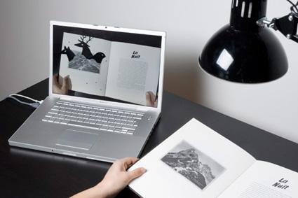 בין דפי הספר מתחבאות אנימציות המופיעות על גבי מסך המחשב
