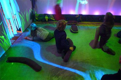 פאנקי פורסט - חוקיות משחקית שמושפעת מהאינטראקציה עם הילדים בחלל