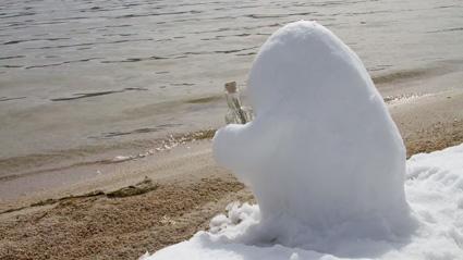 שלג בסרטון האנימציה בקבוק של קירסטן לפור