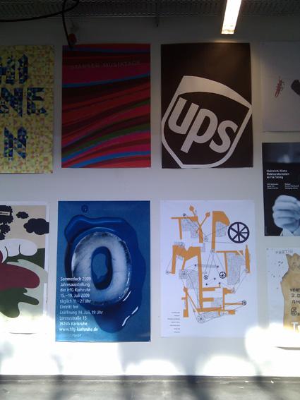 כרזות של סטודנטים מבית הספר לעיצוב של ZKM